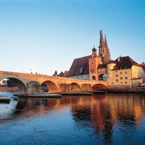 Christmastime on the Danube with 2 Nights in Prague (Eastbound) (Avalon Waterways)