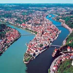 Christmastime on the Danube with 2 Nights in Prague (Westbound) (Avalon Waterways)